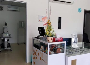 ck-optometrist-centre-interior-03
